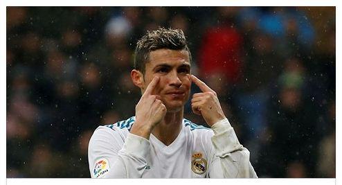 رونالدو يبرىء زيدان ويتهم هذا الرجل في كوارث ريال مدريد هذا الموسم