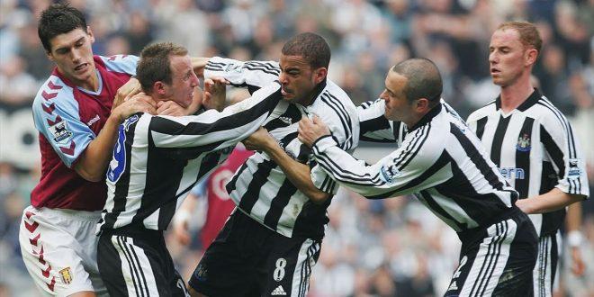 اشهر المشاجرات بين لاعبين كرة القدم من نفس الفريق