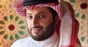 تركي ال الشيخ وضابط الشرطة في مباراة بيراميدز والداخلية