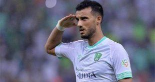 لاعب الاهلي السعودي عمر السومة