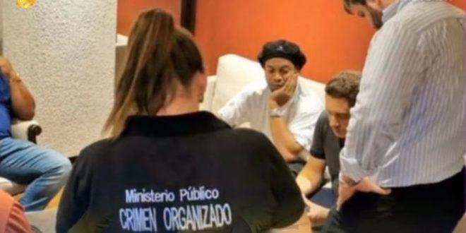 القبض على رونالدينيو وشقيقه في باراجواي لهذا السبب !